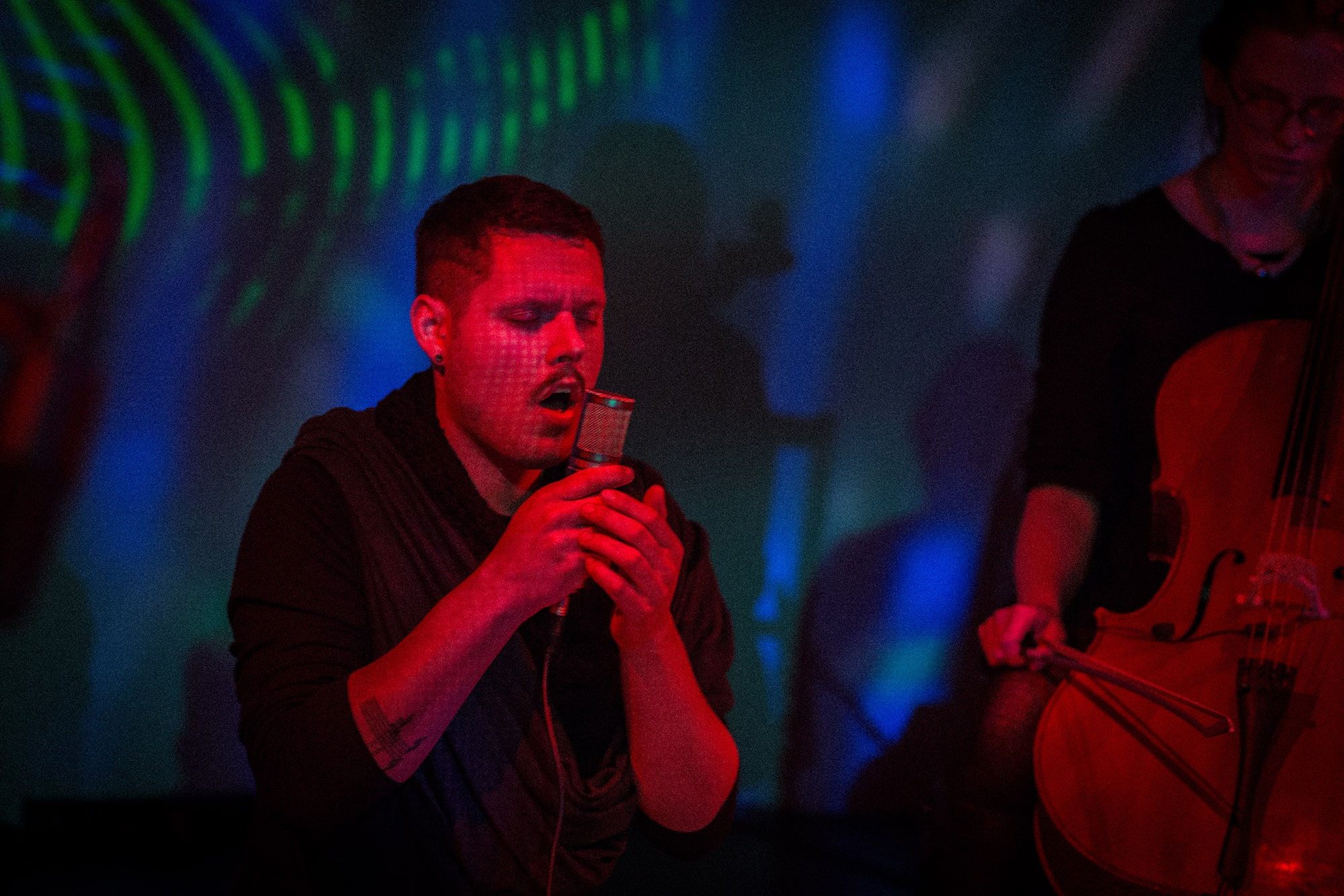 Randy Gibson performing <em>Apparitons Of The Four Pillars in The Midwinter Starfield under The Astral 789 Duet</em> live at the 2014 Avant Music Festival