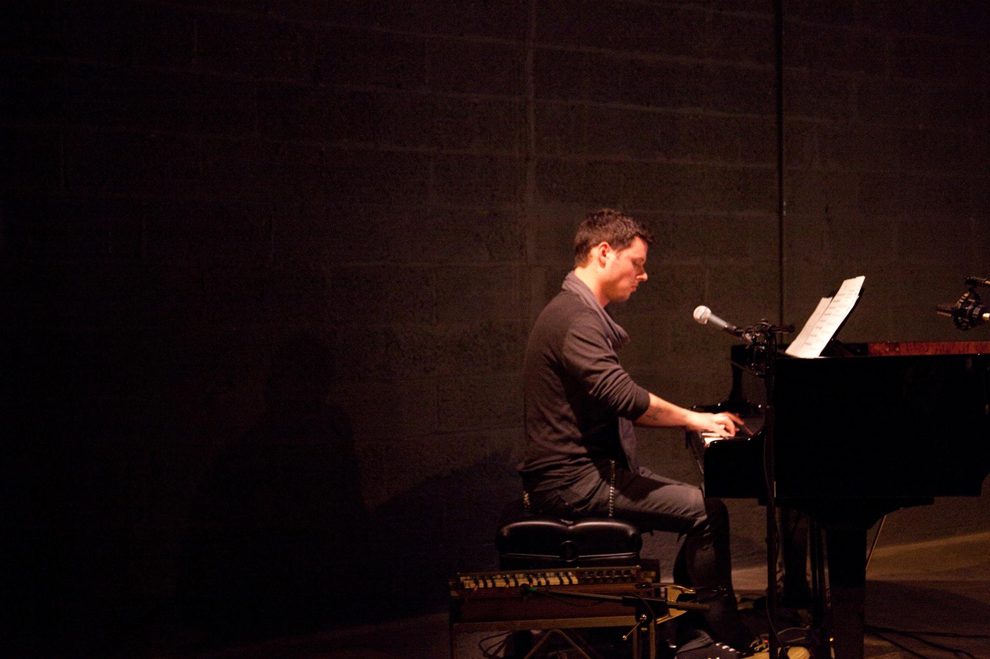 Randy Gibson performing <em>Doleo Æternus</em>